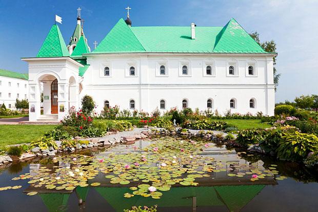 20 самых выгодных городов России для путешествий вдвоём