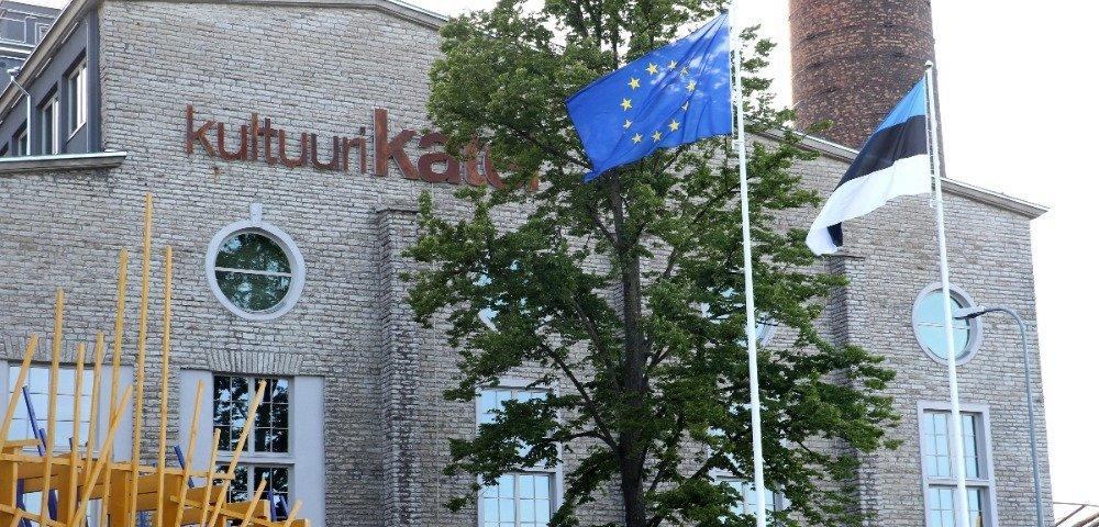 Макрон и Меркель обсудят в Таллине предложения Парижа по реформам в ЕС