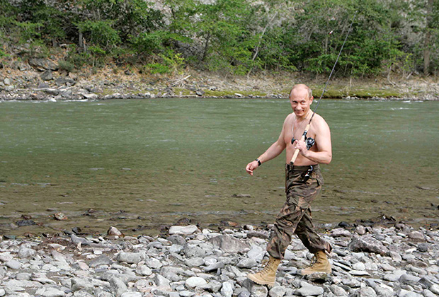 Премьер-министр Японии не зря дарил спиннинг — Путин любит рыбалку