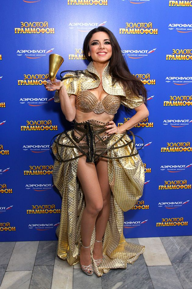 10 самых безбашенных концертных костюмов звёзд-шоу-бизнеса
