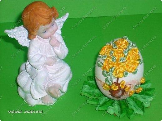 Яйцо, вышитое лентами