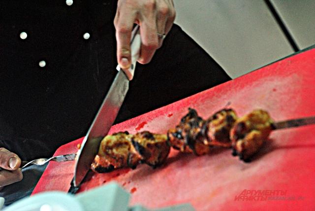 Как приготовить очень вкусный шашлык: советы от казанского шеф-повара