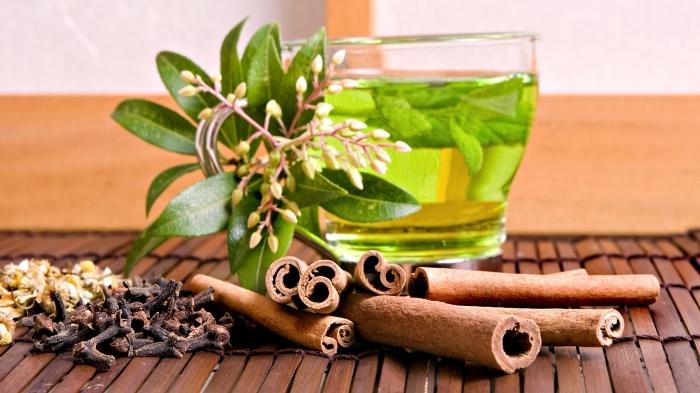 Чай с корицей и лавровым листом избавит от лишнего веса