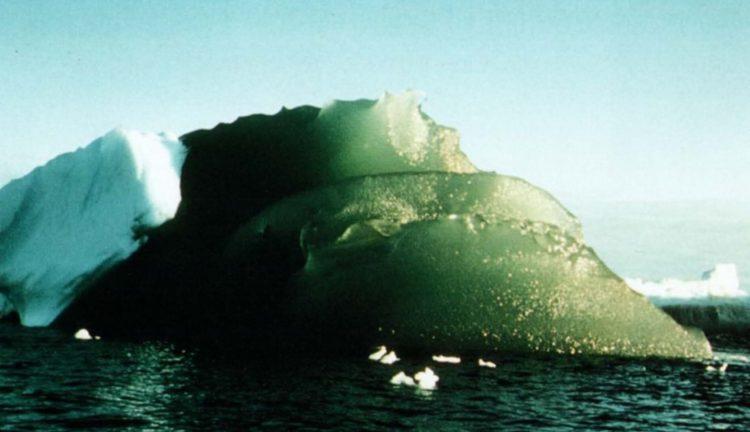 Зеленый айсберг