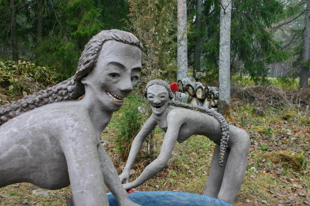 Парк скульптур в Париккале: бетонные йоги и зубные протезы