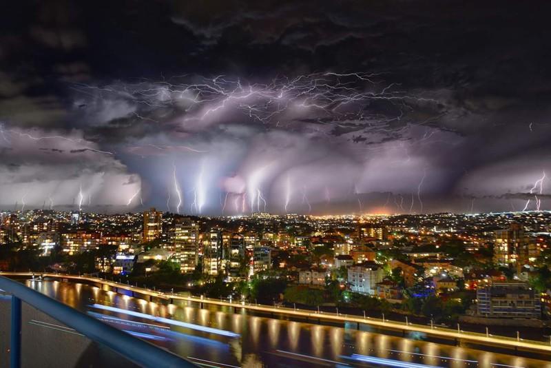 6. Огромный грозовой шторм над Австралией. наш мир, удивительные фотографии