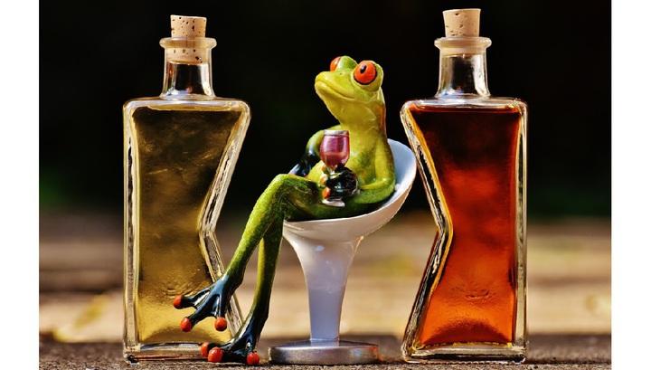 С чем нельзя алкогольные напитки