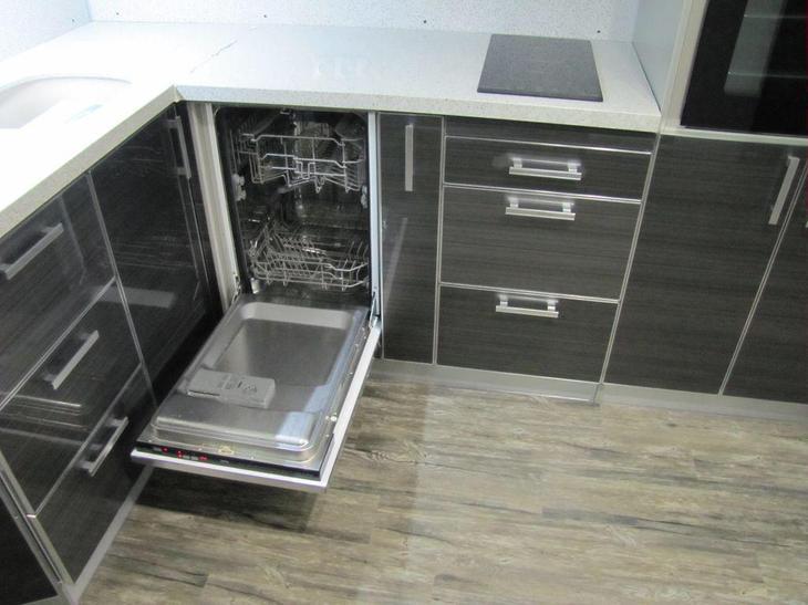 Ремонт кухни, установка кухонного гарнитура, встраиваемая посудомоечная машина