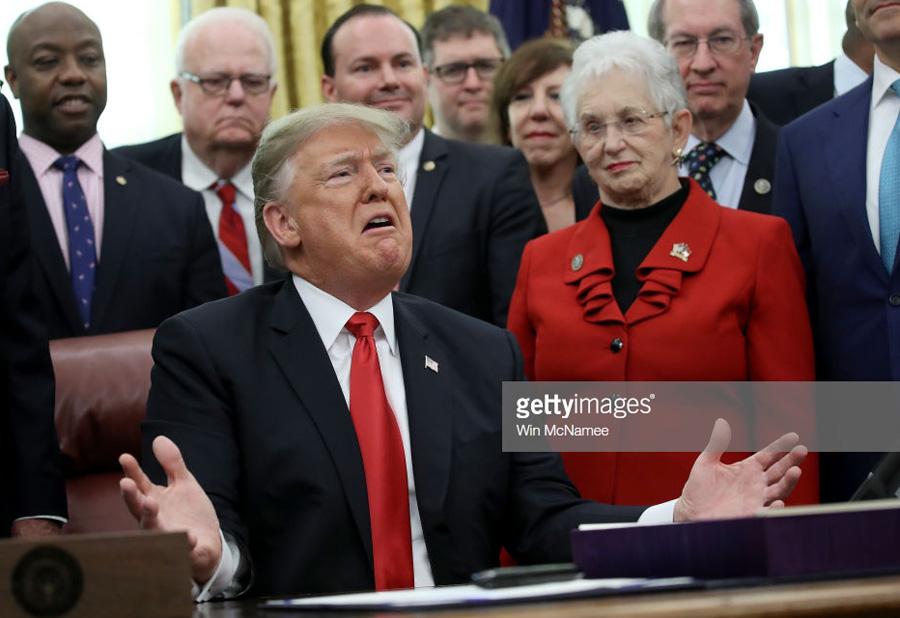 О полживом президенте