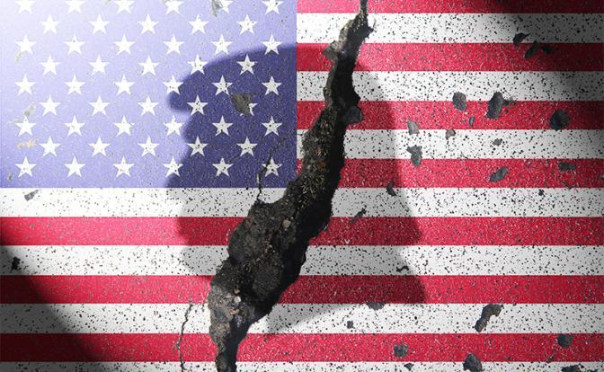 Америка знает: Прекращение господства доллара уничтожит империю США