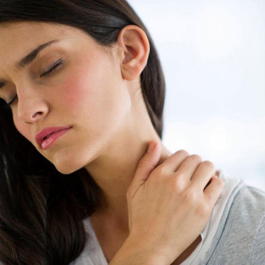 Болит шея с правой стороны: причины, лечение 52