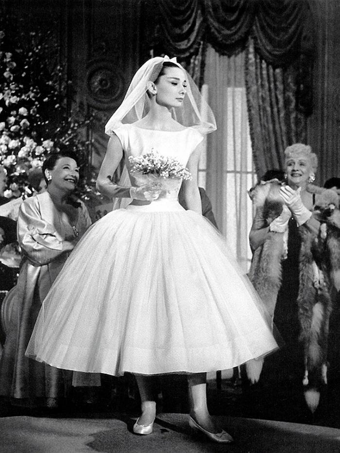 Женщина потеряла свадебное платье в далеком 1986. Когда она увидела его вновь, не смогла сдержать слёз!
