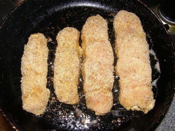 """""""Куриные рулетики с грибами и сыром в сметанном соусе"""""""