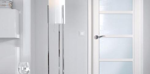Какой материал для межкомнатной двери выбрать?