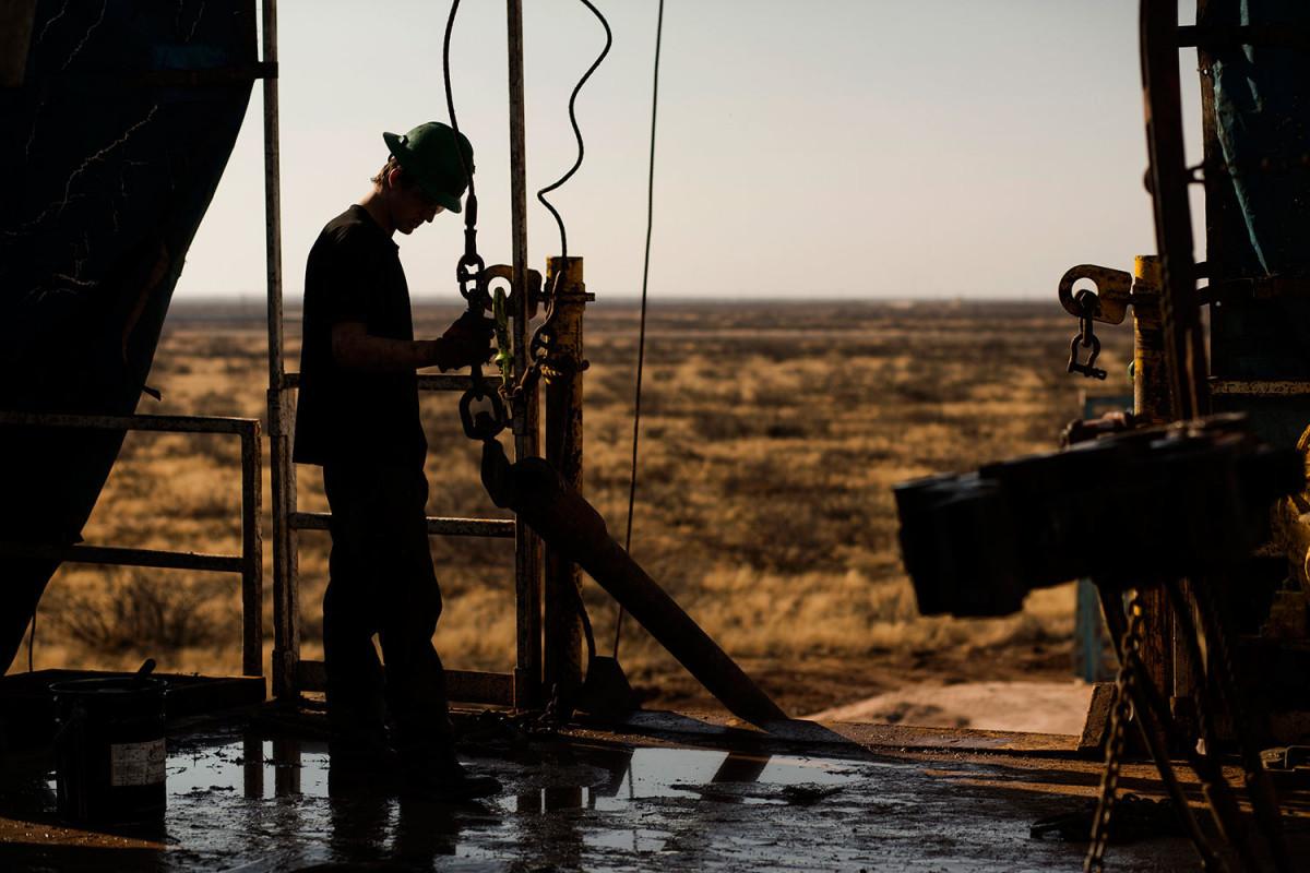 """Штаты на краю экономической пропасти: американцы идут к """"нефтяному банкротству"""""""