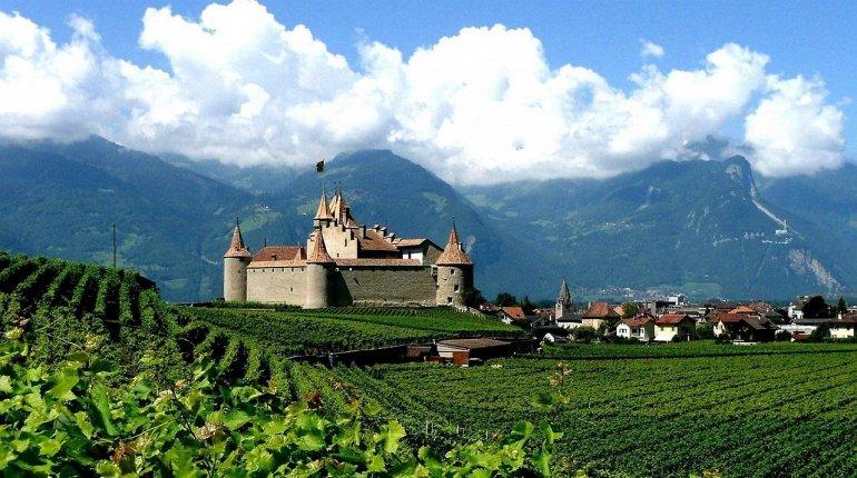 МЕСТА ДАЛЁКИЕ И БЛИЗКИЕ. Самые красивые замки Швейцарии