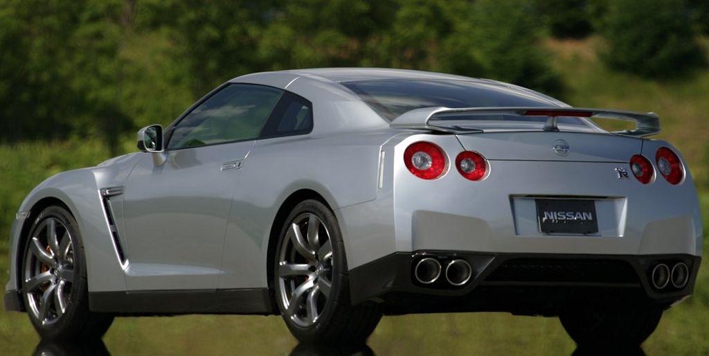 Знаменитые недоработки в конструкции новых автомобилей