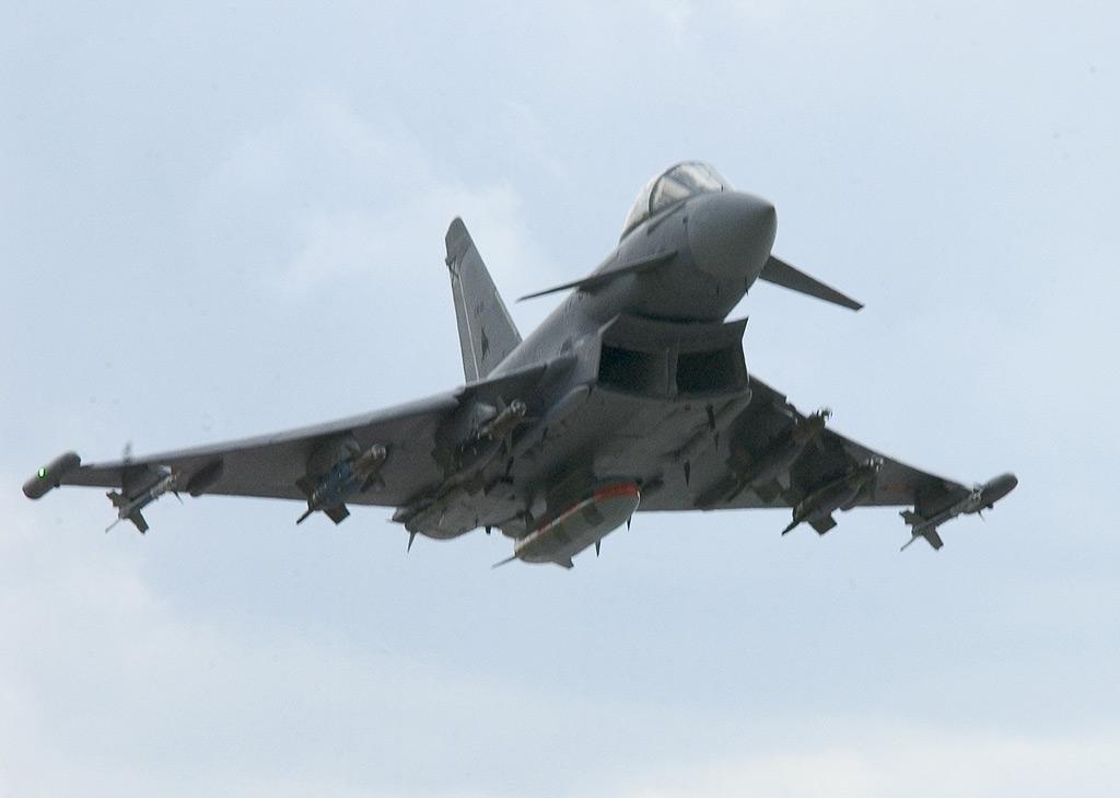 eurofighter_gbu-16