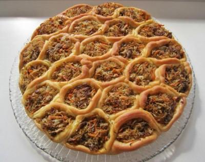 Чудо-пирог с мясом и квашеной капустой