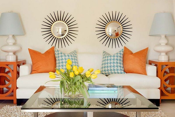 Журнальный столик в гостиную со стеклянной столешницей