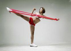 Как правильно делать махи ногами?