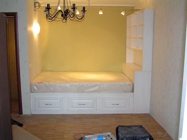 Как украсить однокомнатную квартиру своими руками