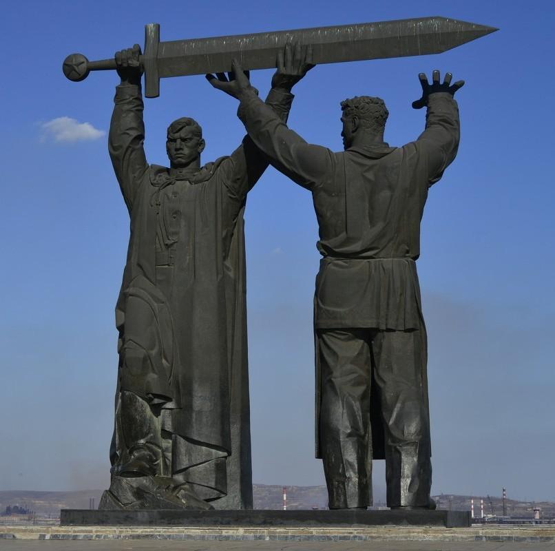 01. Тыл-фронту (Магнитогорск) 00