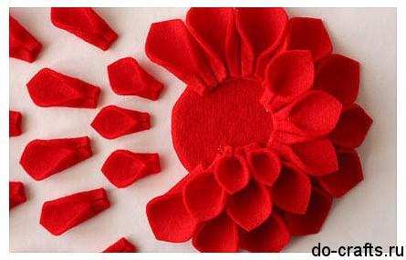 Брошь цветок из фетра 6