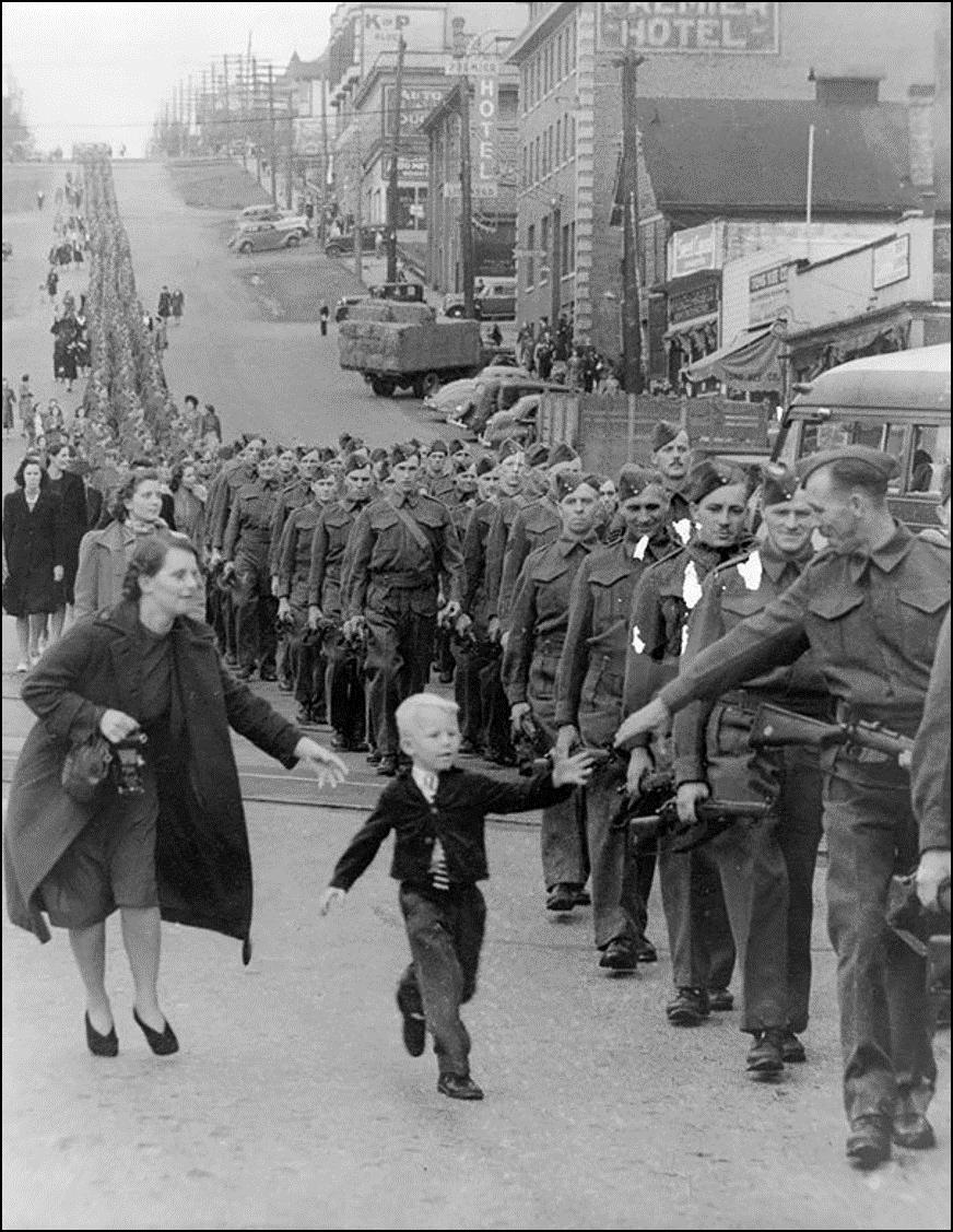 «Папа, подожди!», Канада, 1 Октября 1940 Историческая фотография, история, факты