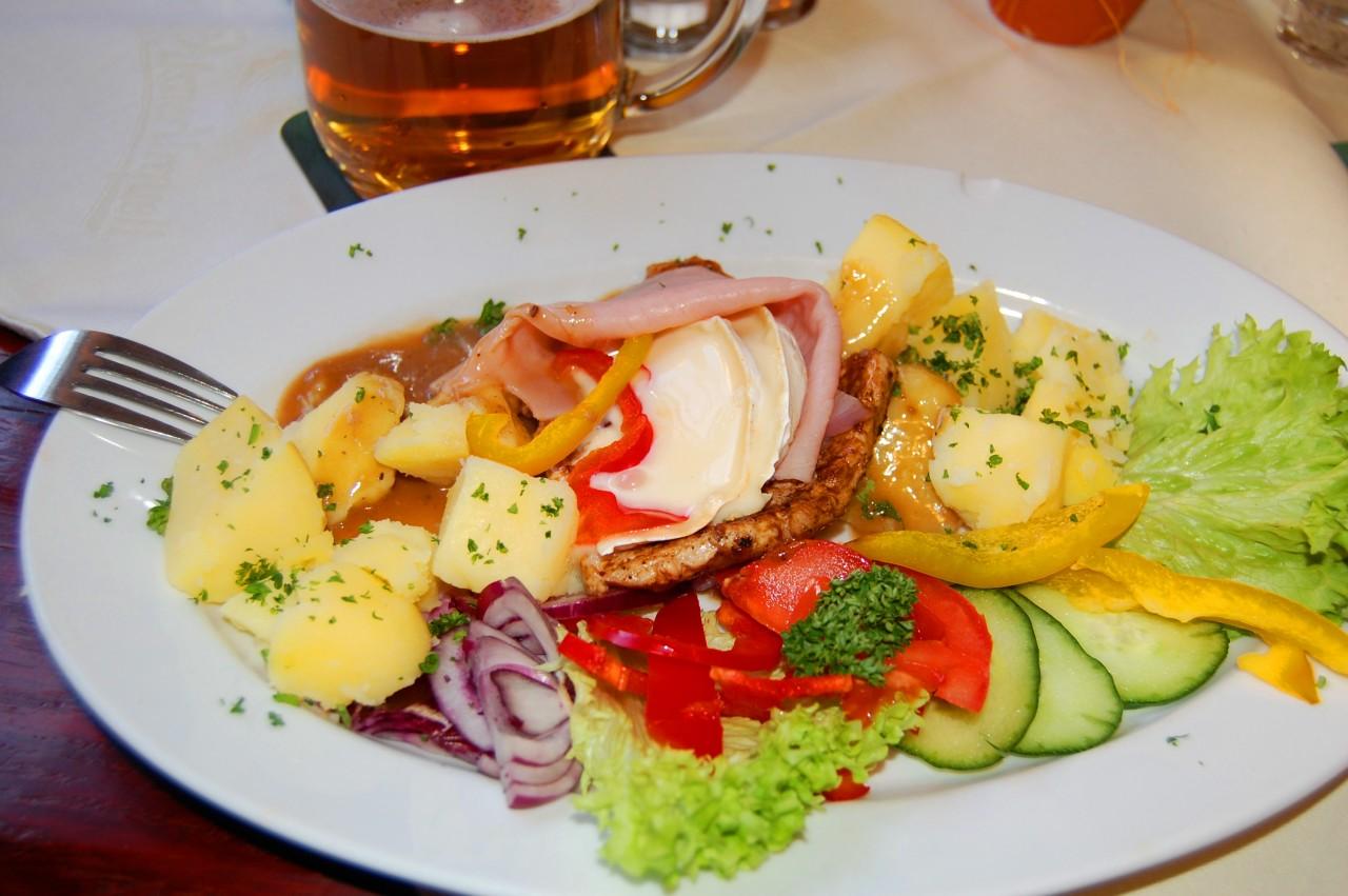 Сколько надо иметь чешских крон самостоятельно питаясь неделю в Чехии, Карловых Варах!