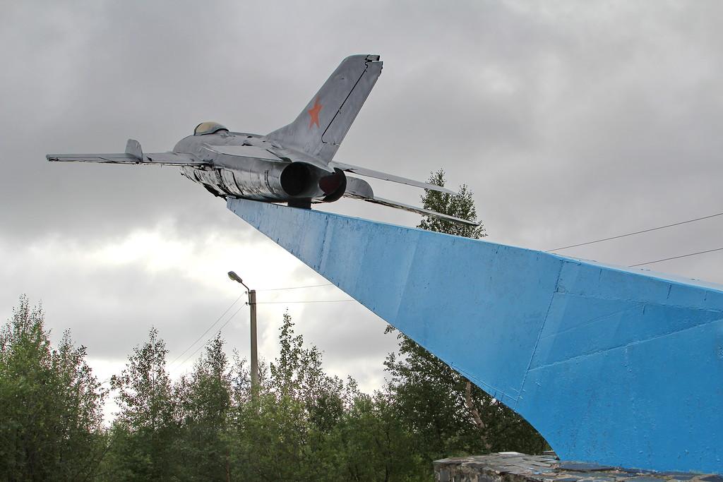 МиГ-19СВ в Мончегорске.