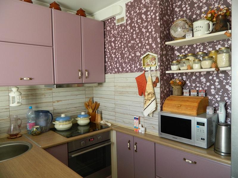 Добро пожаловать на нашу кухню: вместить все на 12 кв.м