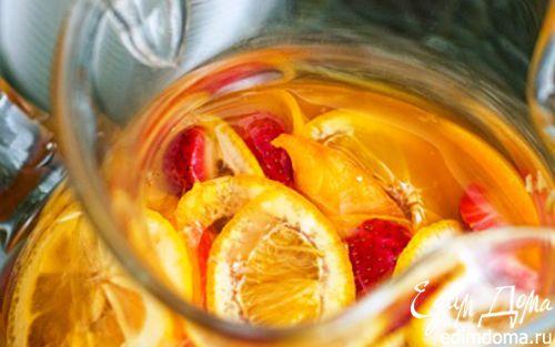 Спиртные напитки. Сангрия клубничная