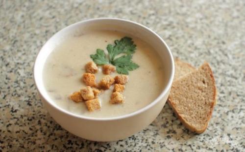 Сырный крем — суп с курицей.