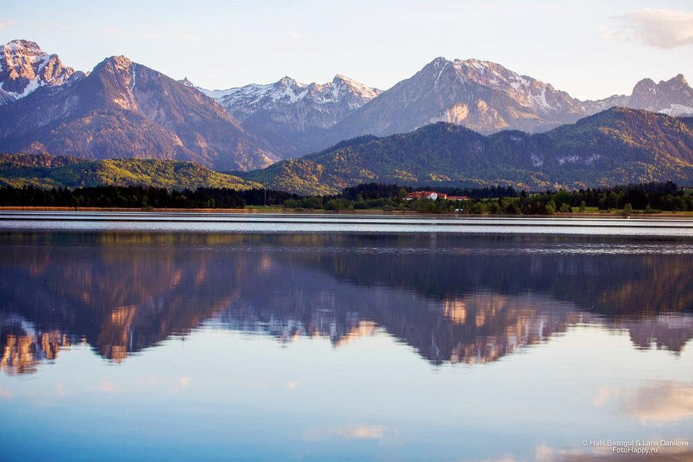 Зеркальные воды озера Хопфен-ам-Зее