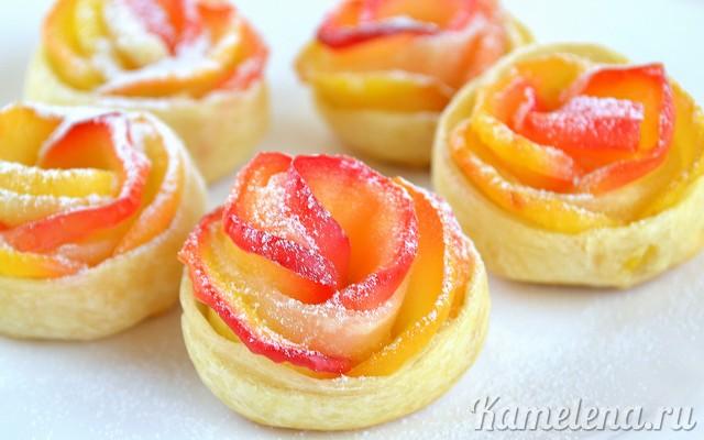 Слойки с яблоками «Розочки» — 12 шаг