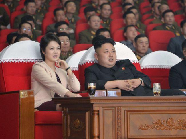 """""""Первая леди ада"""". Красавицы, которых выбирают диктаторы"""