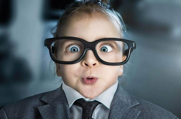 Intel разработала «умные очки», которые не отличить от обычных