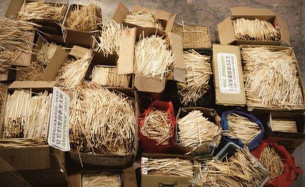Массовое изготовление китайских палочек