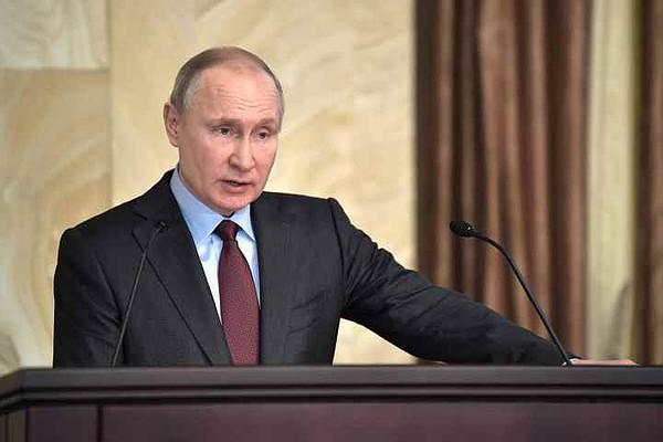 Путин подписал закон о повыш…