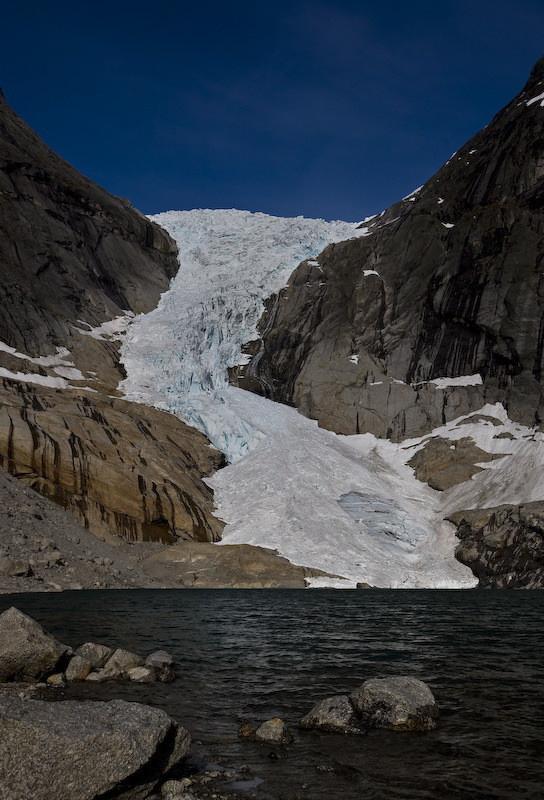 А вот так Бриксдаль выглядел в 2008 году: европа, ледник, тает