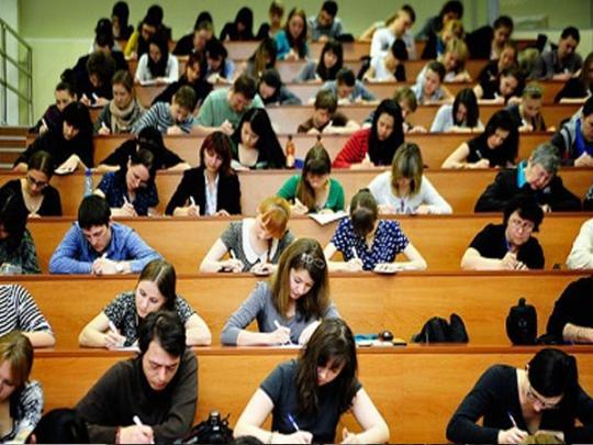 Обычный студент на экзамене у профессора -«зверя». Потрясающая смекалка!