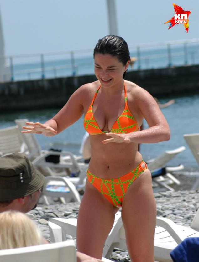 Наташа королёва на пляже фото