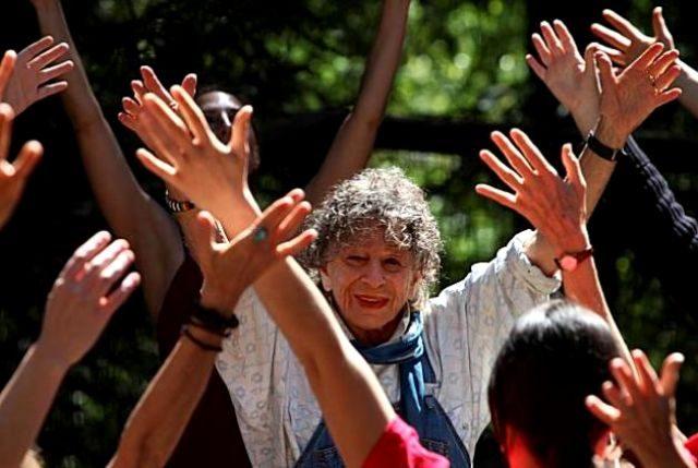 Эта 92-летняя женщина победила рак с помощью танца