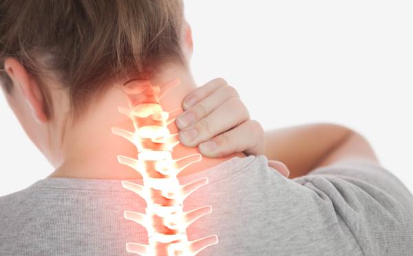 Регулярно болит шея. Что можно сделать?