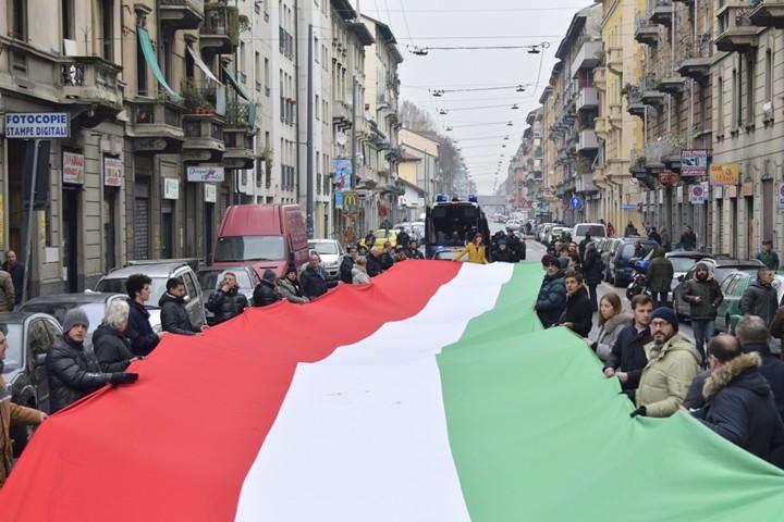 Итальянские рынки упали на фоне противоречий с ЕС по бюджету