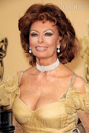 Стараниями Понти к середине 1950-х годов Софи стала звездой и секс-символом Италии