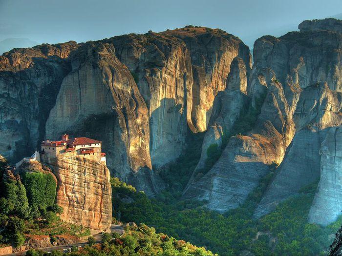 Фото Монастыри Метеоры, Греция. 17 (700x525, 82Kb)