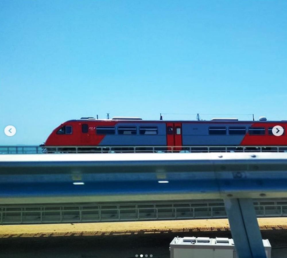 На Крымском мосту был замечен первый пассажирский поезд