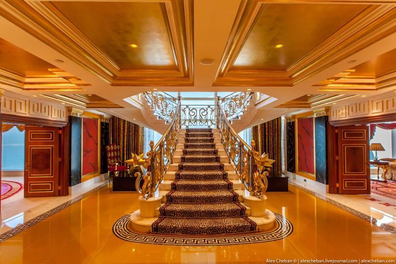 BurjAlArab05 800x533 Золото для шейхов и олигархов: самый дорогой номер в семизвездочном отеле Burj Al Arab